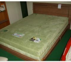 침대 퀸사이즈